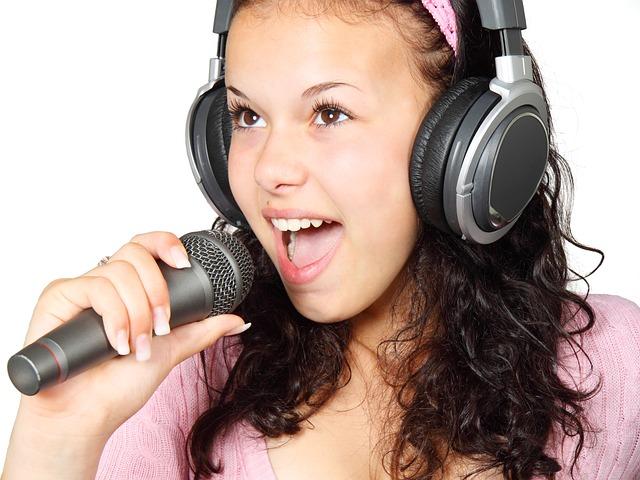 Quali sono le linee guida per cantare ad una serata karaoke?