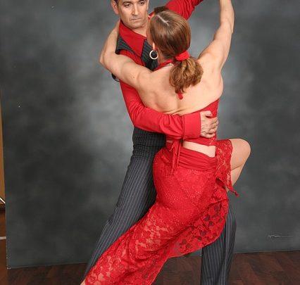 Insegnare a ballare la salsa cubana