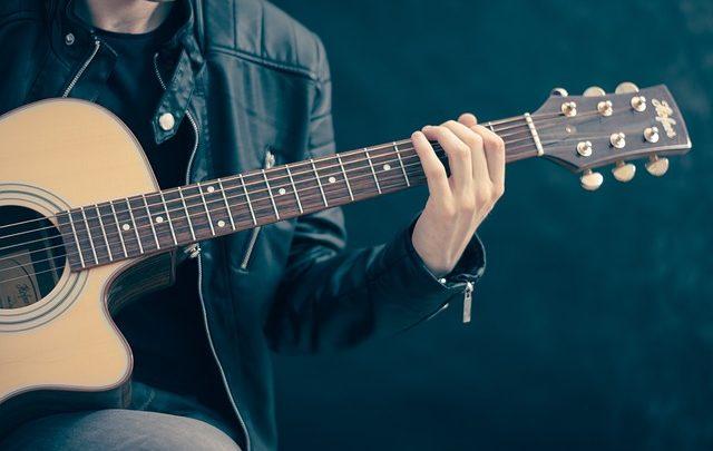 Amplificatori per chitarra a valvole: ogni band li vuole