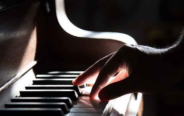 Il pianoforte può essere invecchiato come strumento a percussione?
